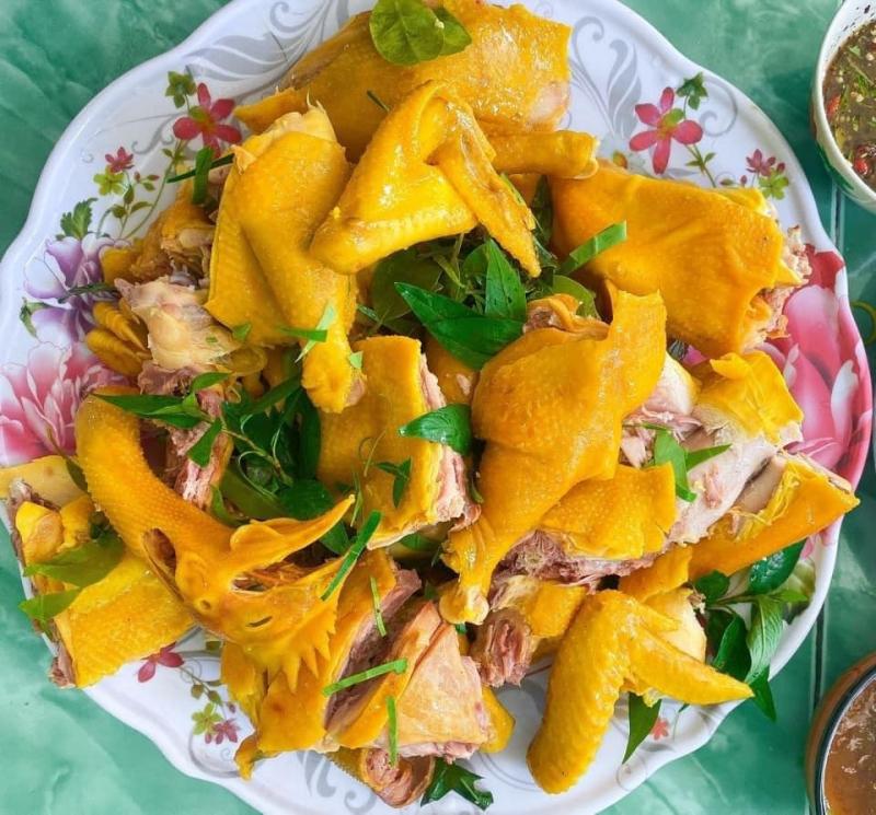 Top 7 Địa chỉ bán gà ủ muối hoa tiêu ngon nhất tại TP HCM