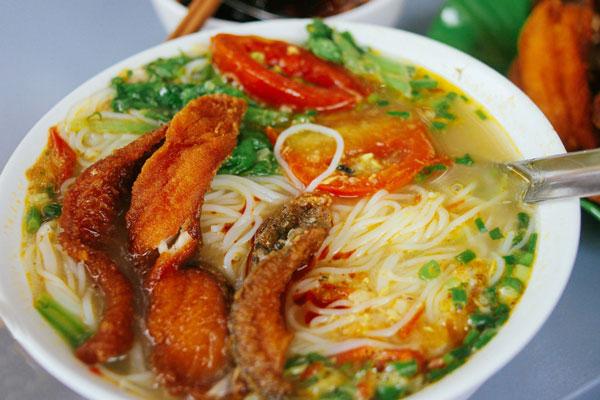 Top 11 Địa chỉ ăn ngon giá bình dân được giới trẻ yêu thích nhất tại Nha Trang