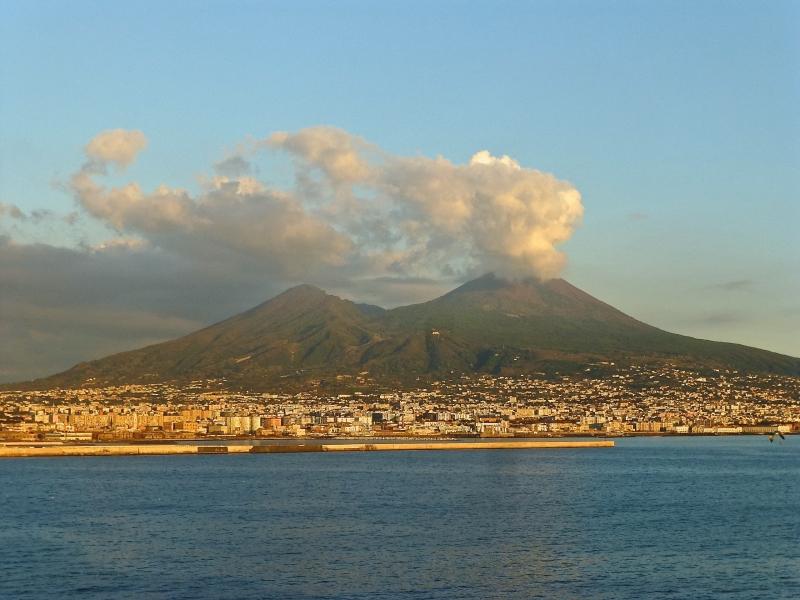 Top 10 Núi lửa đáng sợ nhất thế giới