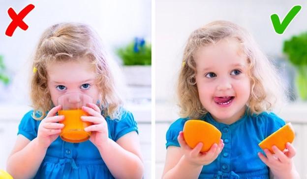 Top 7 Thực phẩm có hại chúng ta vẫn thường cho trẻ nhỏ ăn