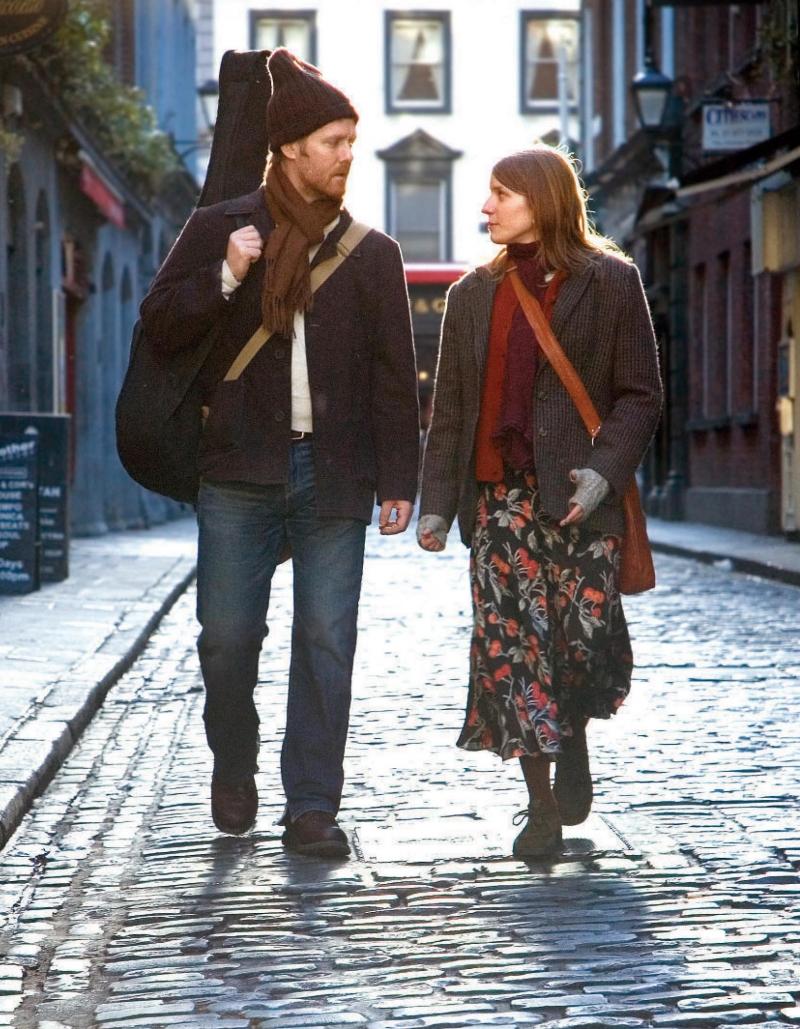 Hạnh phúc, tình yêu có sự kết nối với âm nhạc với những thanh âm trong trẻo và với sự đồng điệu của con tim.