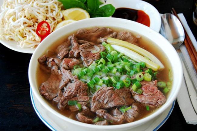 Top 16 Món ăn đường phố nổi tiếng nhất Việt Nam
