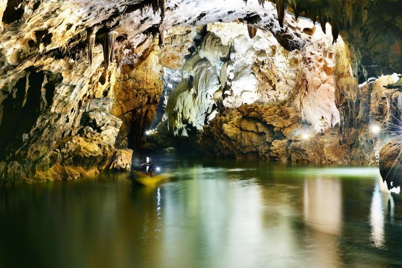 Top 17 địa điểm tham quan nổi tiếng nhất Quảng Bình bạn không bỏ qua
