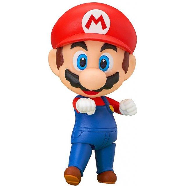 """Cosplay Mario phiên bản ngực """"khủng"""", Lê Bống """"hút mắt"""" anh em game thủ với đường cong săn chắc"""