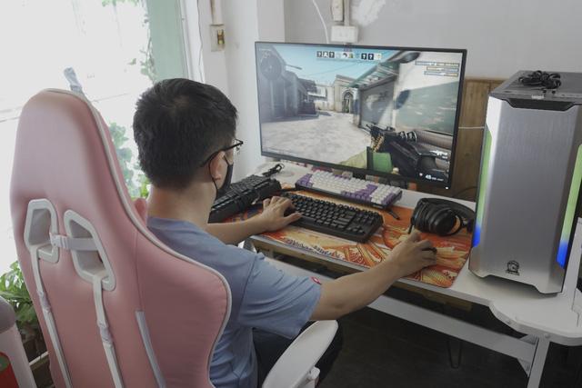 E-DRA lần đầu ra mắt màn hình gaming xịn sò, cả Nam – Bắc có 15 game thủ may mắn