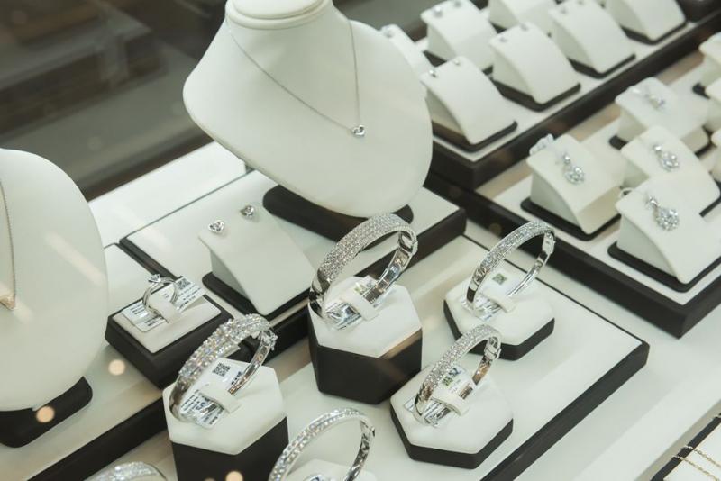 Top 8 Tiệm trang sức bạc đẹp và uy tín nhất quận 1, TP. HCM