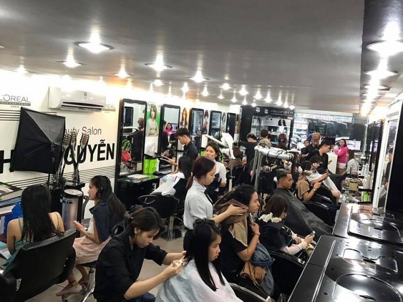 Top 10 Tiệm cắt và tạo kiểu tóc đẹp nhất TP.HCM