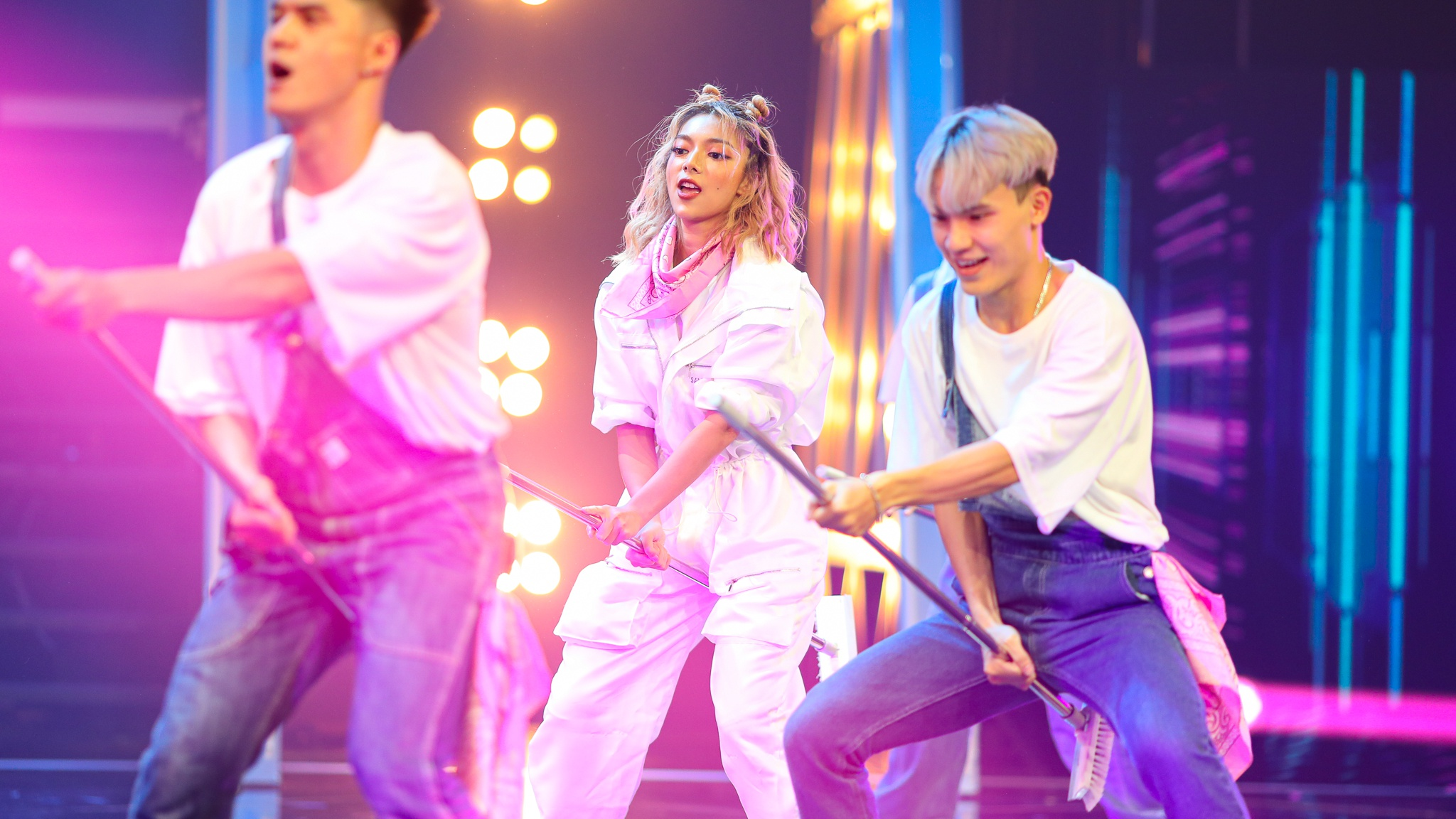 Lyly, Phạm Đình Thái Ngân đuối sức ở game show vũ đạo