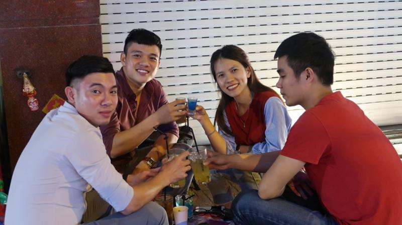 Top 11 Quán bia úp ngược được yêu thích nhất tại Sài Gòn