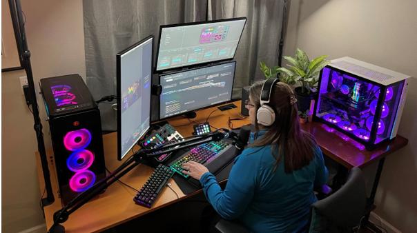 56 tuổi vẫn quẩy game FPS nhiệt, bà bác streamer cứ mỗi lần lên sóng lại hút tới gần trăm ngàn người theo dõi