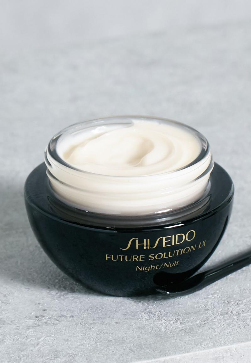 Shiseido Future Solution LX Total Regeneratin - Chất kem đặc sánh, mềm mịn, thẩm thấu nhanh