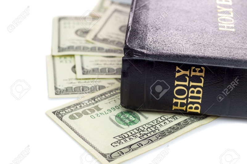 Top 7 Lý do bạn phải có Kinh Thánh trên tủ sách