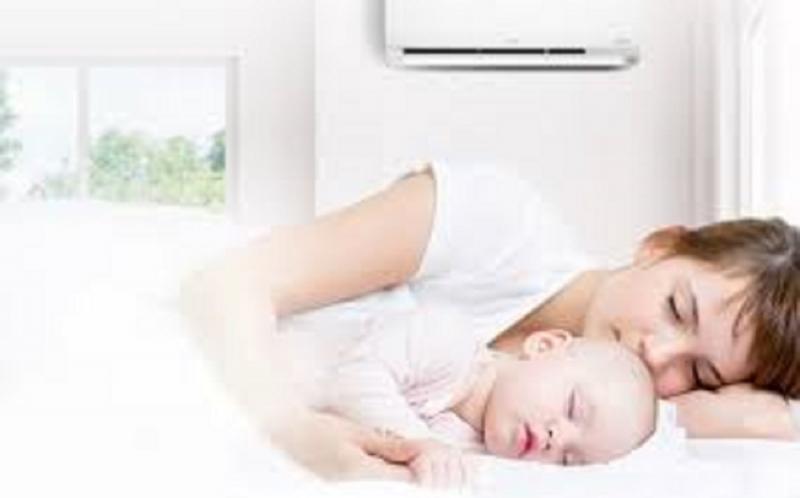 Top 10 Bí quyết chăm sóc trẻ sơ sinh tốt nhất vào mùa hè nắng nóng