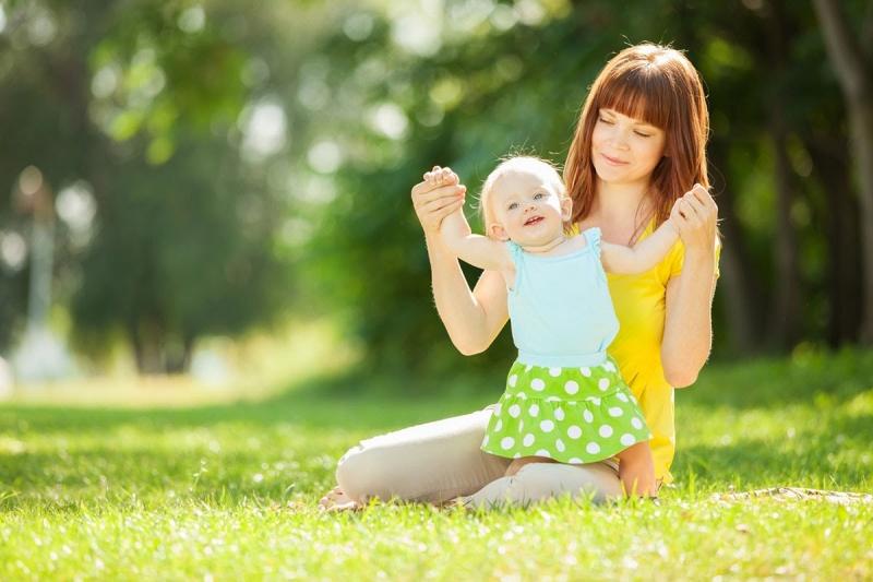Top 10 Sai lầm khi tắm nắng cho trẻ các bà mẹ nên tránh.