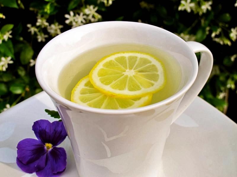 Top 10 Tác dụng tuyệt vời của việc uống nước chanh ấm vào buổi sáng