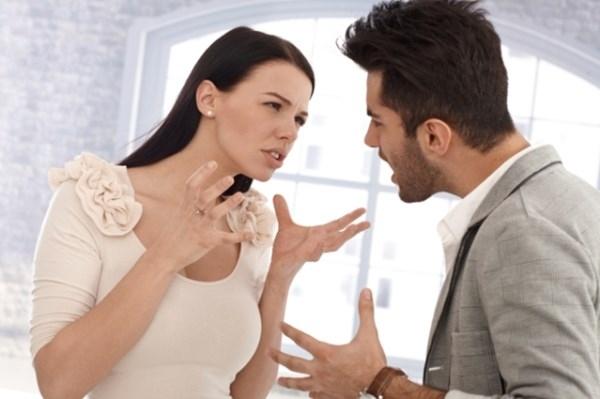Hãy kìm nén cảm xúc khi bắt đầu một mối quan hệ.