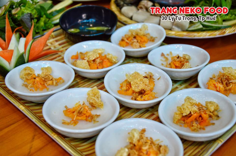 Top 7 địa chỉ ăn bánh bèo chén đông khách nhất Huế