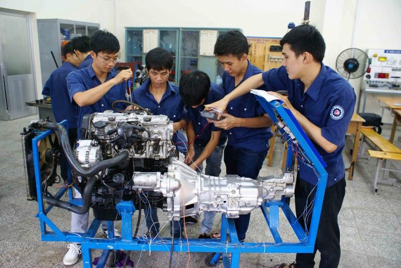 Top 8 Trung tâm dạy nghề sửa chữa ô tô tốt nhất TP. Hồ Chí Minh