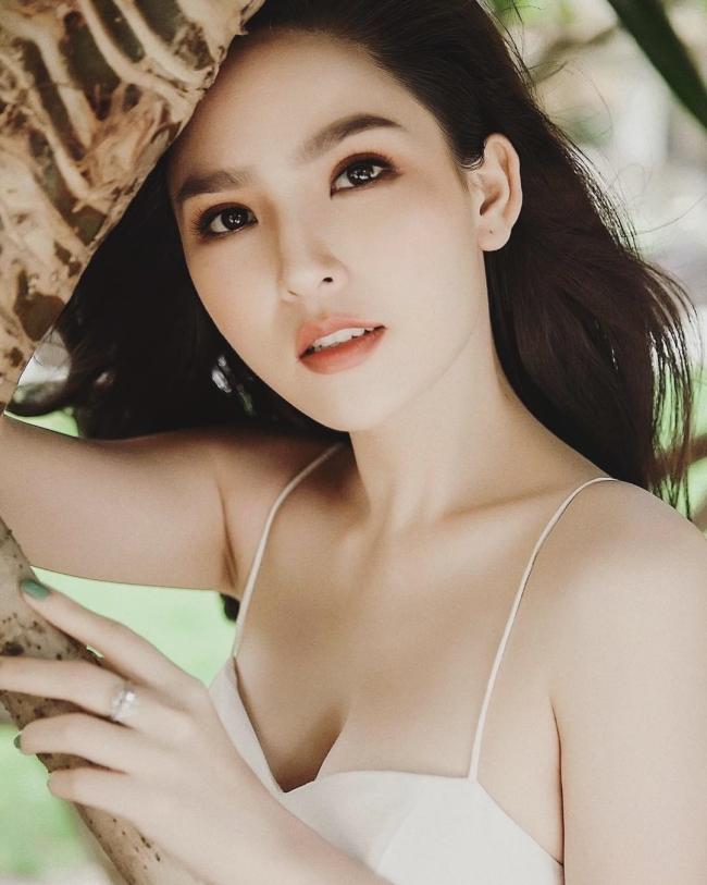 """""""Thánh nữ Mì Gõ"""", """"hot girl tạp hoá Thanh Hoa"""" ở ẩn vẫn giữ trọn đường cong trứ danh"""