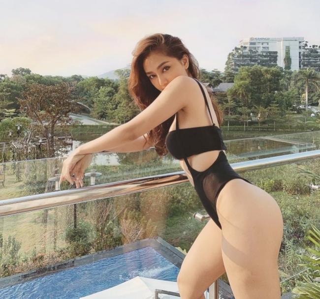 """2 hot girl bán hàng có body """"căng mẩy"""", thậm chí khiến Ngô Kiến Huy phải """"truyền thái y"""""""