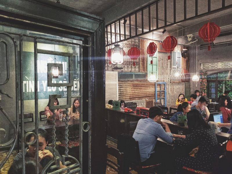 Top 11 Quán cà phê có phong cách vintage đẹp và được giới trẻ yêu thích nhất tại Huế