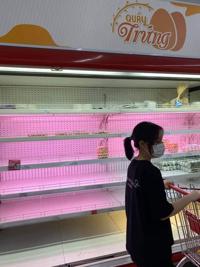 """Bị chỉ trích vì tích trữ đồ ăn giữa mùa dịch, Xoài Non không ngại """"khẩu chiến"""" với anti-fan"""