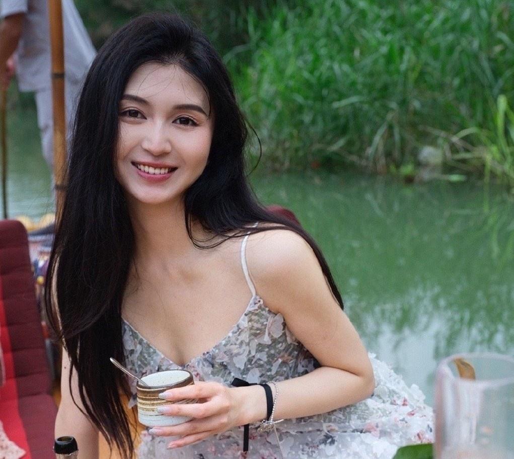 Hot girl Trung Quốc tử vong sau khi bí mật đi hút mỡ và nâng ngực