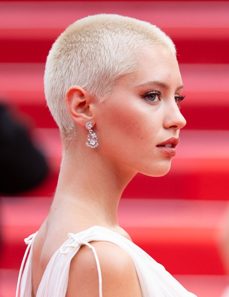 iris law cannes anh 1