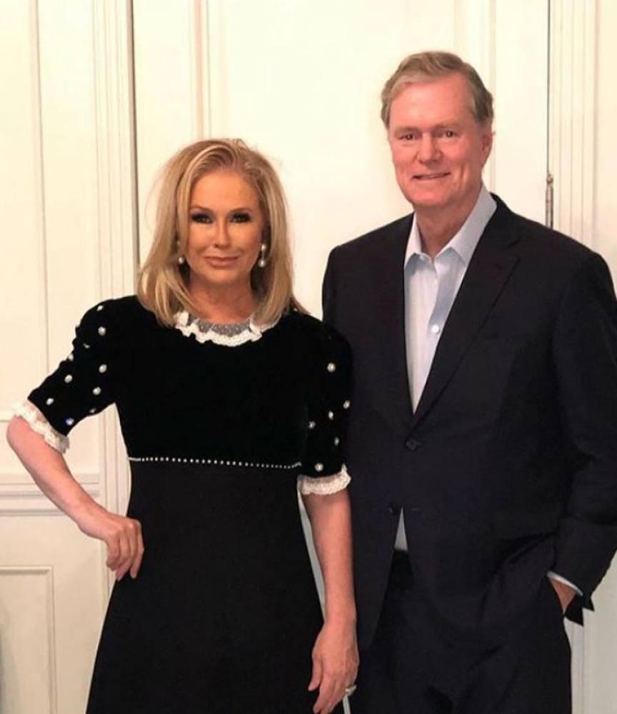 Nhà Paris Hilton đã làm gì để giàu có hơn?