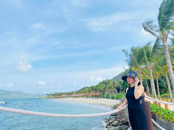 Cô chủ 9X Đỗ Thị Thanh Tâm bén duyên trở thành hot streamer bán hàng online chuyên nghiệp