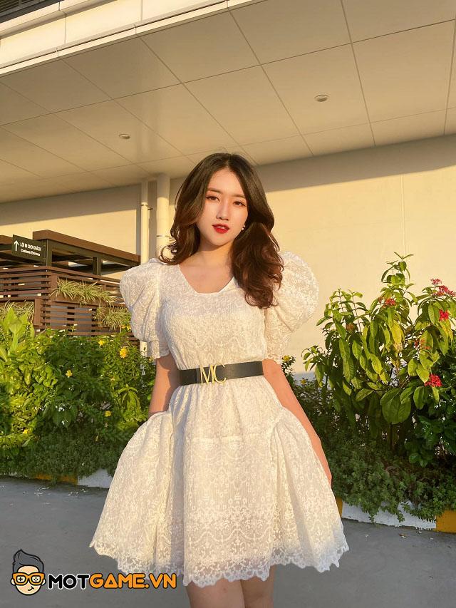 Ngắm nhìn nhan sắc vạn người mê của Linh Nắng – nữ MC giải đấu Valorant