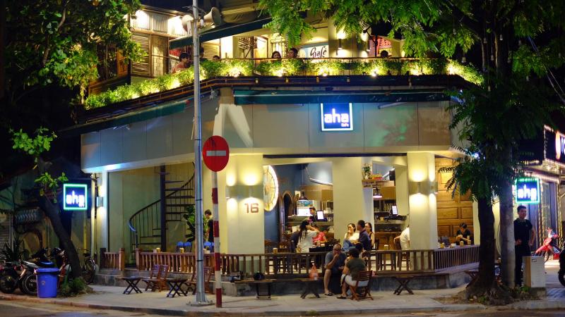 Aha Cafe - Phan Đình Phùng