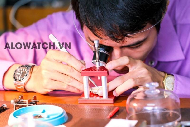Những bác sĩ đồng hồ đầy tài năng và kinh nghiệm