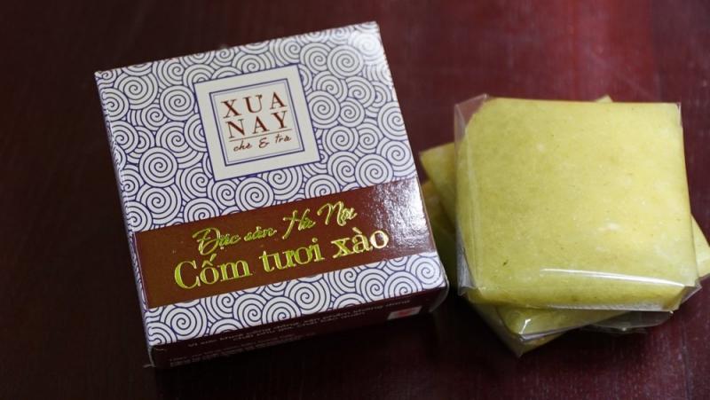 Cửa hàng cốm Xưa Nay đã để lại nhiều ấn tượng không chỉ bởi sản phẩm bánh cốm mà còn là Bánh cốm tươi xào