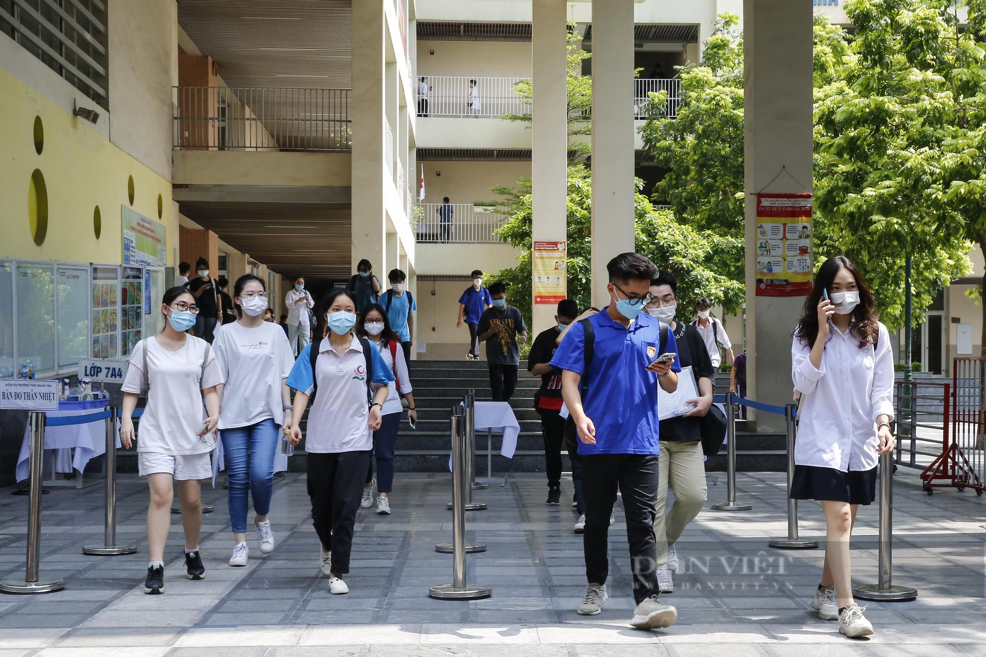 Hà Nội: Những thí sinh thu hút sự chú ý của cộng đồng mạng tại kỳ thi tốt nghiệp THPT 2021
