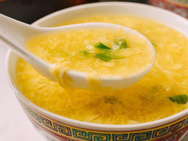 Cháo trứng gà, khoai lang và sữa
