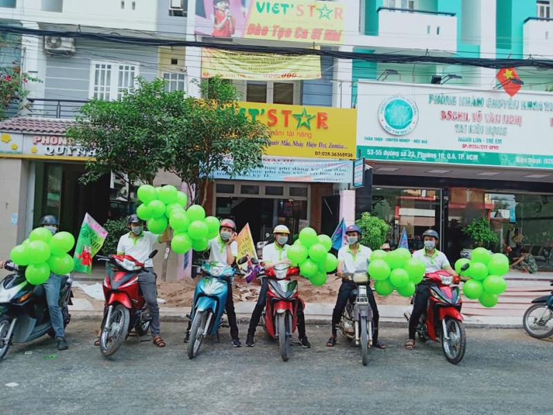 Công ty giải trí Viet'star