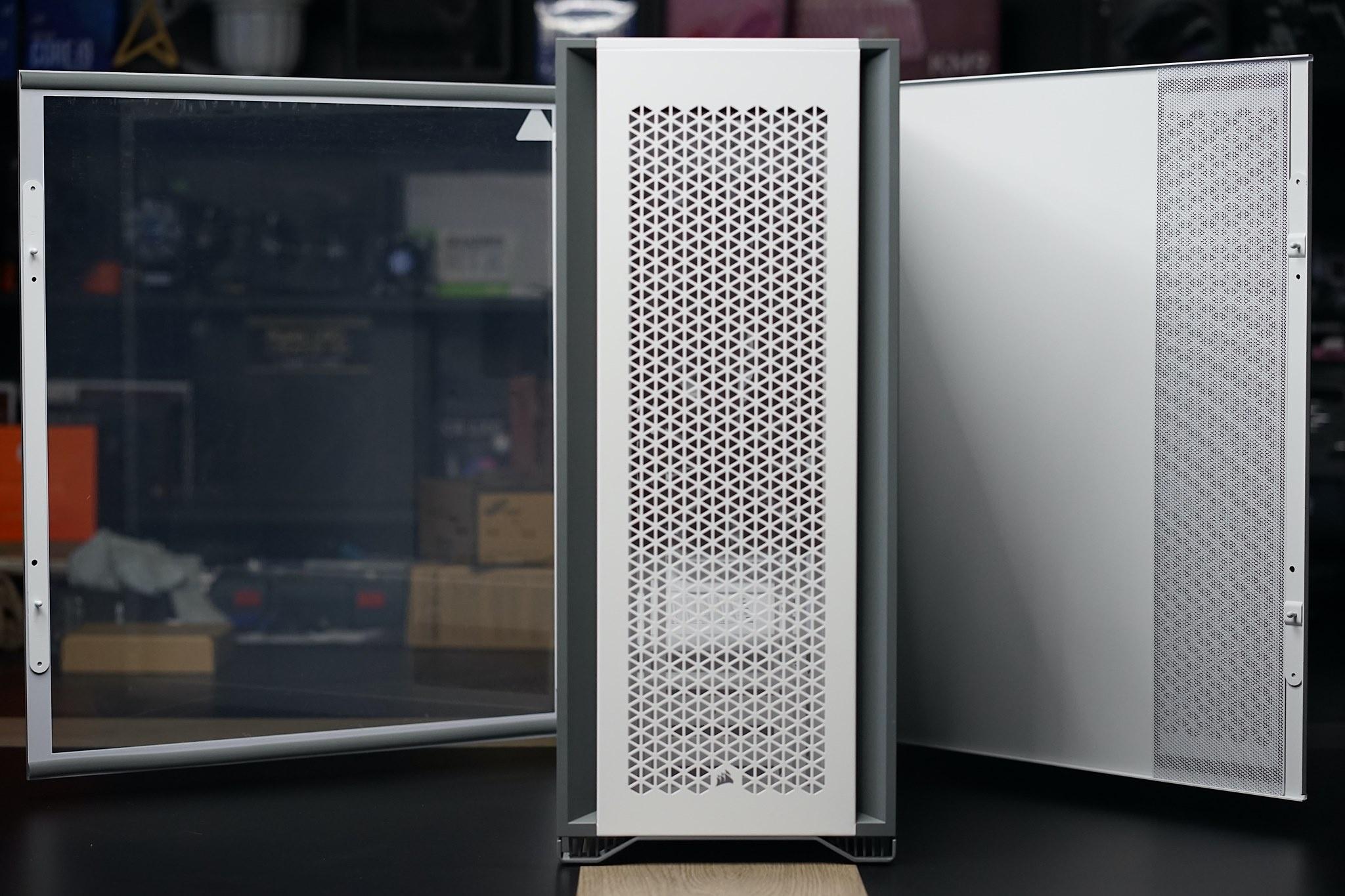 Corsair iCue 7000D Airflow - Thùng máy tính khổng lồ cho game thủ - ảnh 1