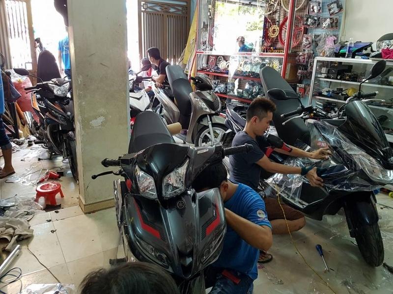 Cửa hàng trang trí xe Đức Tín