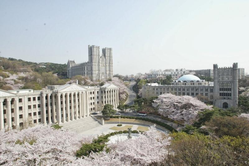 Khung cảnh tuyệt đẹp tại Đại học Kyung Hee
