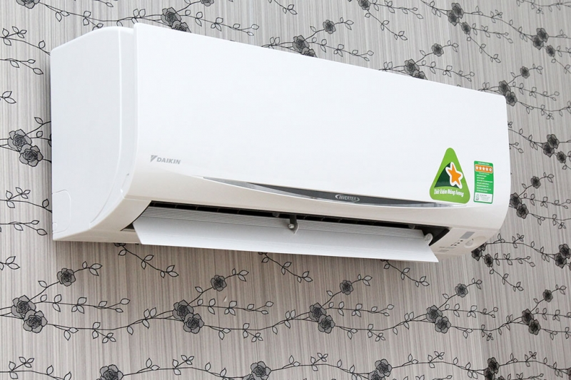 Máy lạnh Daikin 1 HP FTKC25QVMV
