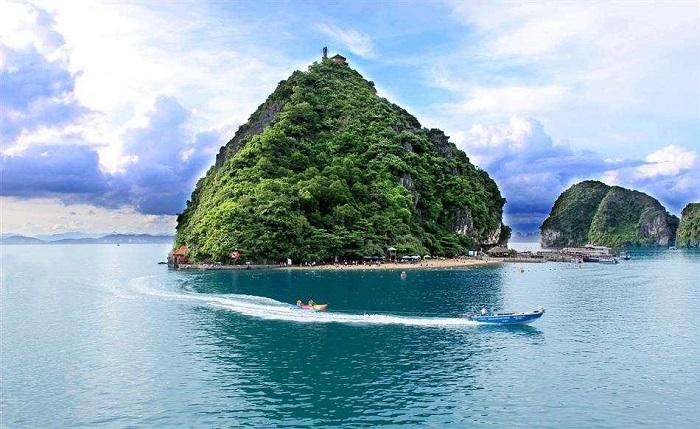 Đảo Soi Sim điểm dừng chân lý tưởng trong chuyến du lịch Hạ Long