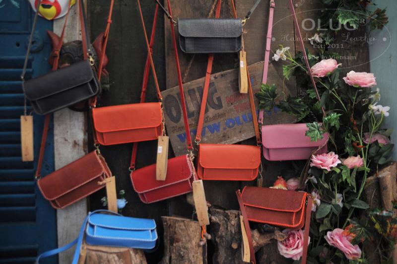 Mẫu túi xách/ ví cầm tay nữ thiết kế trẻ trung tiện gọn