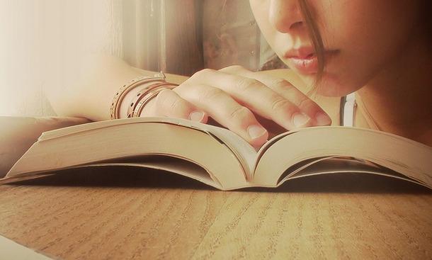 Trung bình một người Việt Nam chỉ đọc 4 cuốn sách mỗi năm. Trong khi trẻ em Nhật cần đọc 20 cuốn sách mỗi năm. Như vậy lượng kiến thức chúng ta học từ sách chỉ bằng 1/5 người Nhật