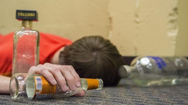 Uống nhiều rượu làm tăng nguy cơ mắc bệnh động kinh