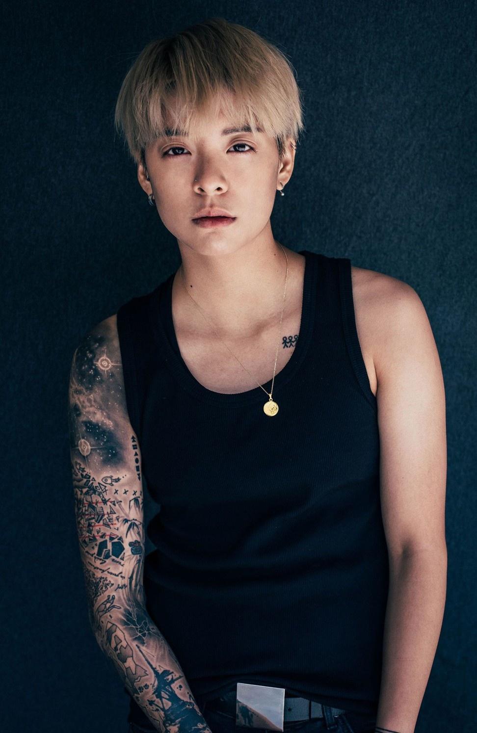 Nữ ca sĩ tiết lộ về góc khuất của giới thần tượng Hàn