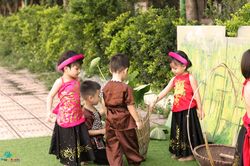Hội xuân tại Happy Hands Montessori School