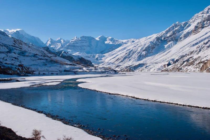 Hồ Suraj Tal thuộc Ấn Độ được mệnh danh hồ của Thần Mặt Trời