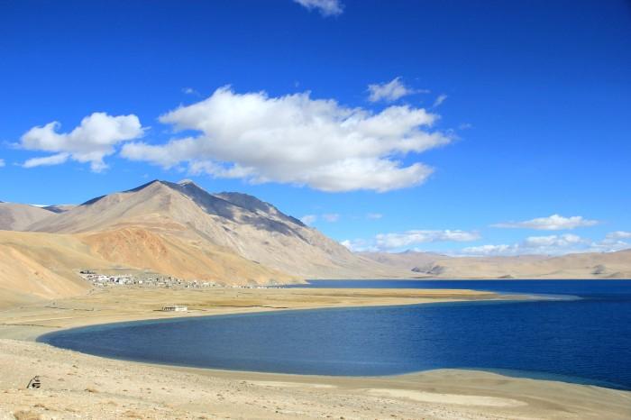 Hồ Tso Kar nằm ở thung lũng Rupshu Plateau của Ấn Độ