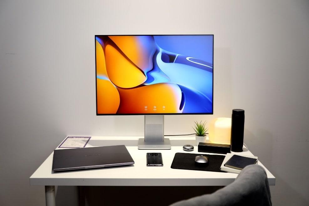 Ra mắt màn hình game thông minh và loạt sản phẩm công nghệ cao cấp